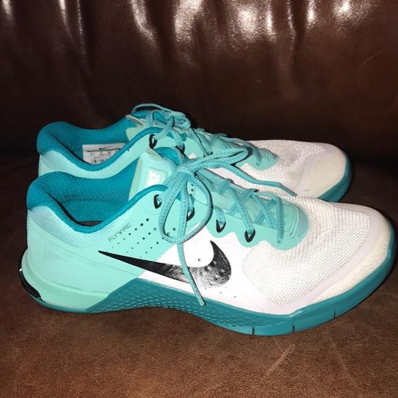 a40f483a9767c1 NIKE Flywire Training shoe Size 8.5 women s. M 5a722f9db7f72b85c05a8410
